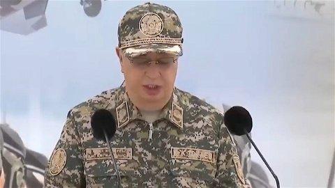 Токаев побывал на военных учениях